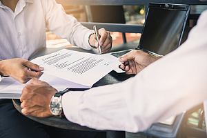 Agent showing General Liability Insurance contract