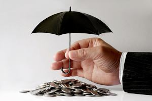 Umbrella insurance coverage saving money