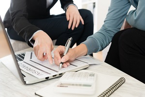 customer fill in personal information on insurance document